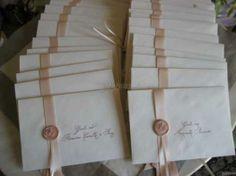 Partecipazioni con chiusura di ceralacca rosa cipria per un #matrimonio ... di classe!