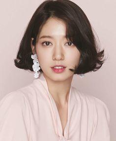 Park Shin Hye Drama, Korean Beauty, Asian Beauty, Short Hair Cuts, Short Hair Styles, Short Hair Outfits, Camisa Polo, Short Bob Hairstyles, Korean Hairstyles