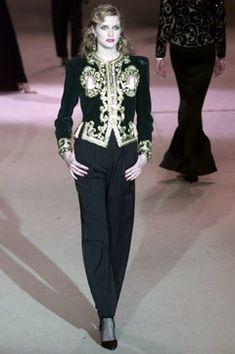 Saint Laurent Spring 2002 Couture Fashion Show - **The Beaded Jacket** Haute Couture Paris, Couture Fashion, Fashion Show, French Fashion Designers, Mode Chic, Italian Fashion, International Fashion, Fashion Labels, Couture Collection