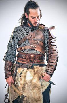 Barbarian Leather Belt Medieval Wedding Belt by LaForjadePrometeo Viking Armor, Medieval Armor, Medieval Fantasy, Larp, Vikings, Leather Bracers, Medieval Wedding, Viking Wedding, Armadura Medieval