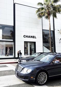 Let our concierge drive you around the best shopping spots in Los Angeles Boujee Aesthetic, Aesthetic Photo, Photo Wall Collage, Picture Wall, Luxury Store, Luxe Life, Photo Instagram, Looks Cool, Aesthetic Wallpapers