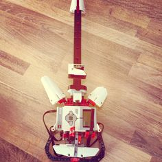 LEGO mindstorms el guitar! With Sound. Build by myself. #lego #guitar