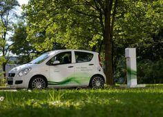 zöld körben, benne a Green taxi
