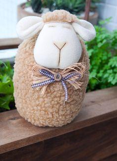 Sheep Crafts, Felt Crafts Diy, Fabric Crafts, Doorstop Pattern, Lamb Craft, Fabric Door Stop, Fabric Fish, Sheep And Lamb, Diy Door