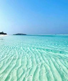 The Maldives Islands Photo Dream Vacations, Vacation Spots, Greece Vacation, Romantic Vacations, Greece Travel, Places To Travel, Places To See, Places Around The World, Around The Worlds