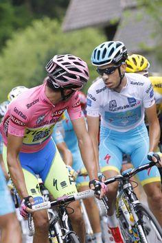 Alberto Contador checks on Fabio Aru (Astana) (Tim de Waele/TDWSport.com)