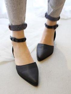 Black Point Flat Shoes