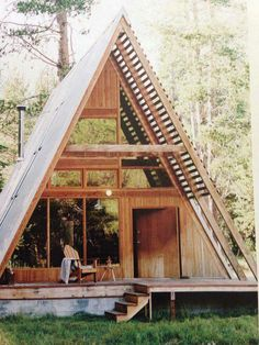 A beautiful A frame Cabin in Far meadow, California. Via Avantgardens.