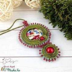 Zöld és piros virágos sujtás nyaklánc  (Arindaekszerek) - Meska.hu Crochet Earrings, Diy, Jewelry, Jewlery, Bricolage, Jewerly, Schmuck, Do It Yourself, Jewels