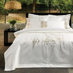 Zenaサテン刺繍ベッドカバーセット、高級コットン100%、ダブル~クイーン、6点セット(掛け布団カバー1枚、ピローケース2枚、刺繍ピローケース2枚、ベッドシーツ1枚)