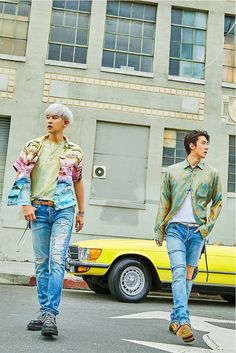 "EXO's new unit Sehun & Chanyeol (EXO-SC) scramble! The first mini album ""What a life"" of Sehun and Chanyeol featuring 6 songs will be released on July 22 👍 Kris Wu, Luhan And Kris, Kpop Exo, Baekhyun Chanyeol, Park Chanyeol, Exo Kai, Chanbaek, Exo Ot12, Tao"