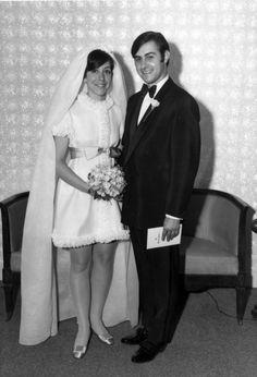 Four Tips For A Beautiful Beach Wedding Vintage Wedding Photos, Wedding Pics, Wedding Couples, Wedding Styles, Wedding Designs, Vintage Photos, 1960s Wedding Dresses, Wedding Gowns, Wedding Bouquet