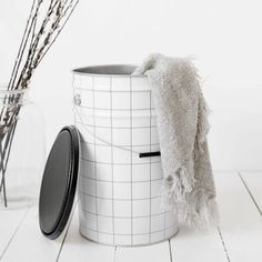 Bucket with a grid! www.wonenmetlef.nl