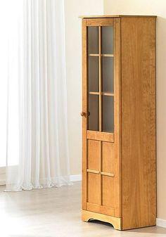 Vitrine. Aus FSC®-zertifiziertem, massivem Kiefernholz. Mit einer Tür. Oben mit Glas, unten mit Holz . Mit drei Einlegeböden, davon zwei verstellbar, Fachinnenmaße (B/T/H): 45/31/ca. 35 cm. Außenmaße (B/T/H): 50/35/155 cm.   Artikeldetails:  Im modernen Landhaus-Design, Außenmaße (B/T/H): 50/35/155 cm,  Qualitäts-hinweise:  FSC®, Eco Bio, Massivholz,  Wissenswertes:  Selbstmontage mit Aufbauanl...