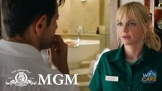 """Eighties rom-com """" Overboard ,"""" which originally starred Goldie Hawn and Kurt Russell, is the latest flick set for a remake, this . Trailer 2, Official Trailer, Movie Trailers, 2018 Movies, New Movies, Overboard Movie, Anna Faris, Goldie Hawn, Movie Photo"""