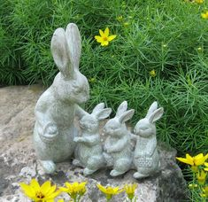 This is the sweetest little family bunny rabbit sculpture! Momma is with her three baby bunnies! French Country Farmhouse, Country Primitive, Urban Farmhouse, Ladybug Garden, Rabbit Sculpture, Art Carved, 3rd Baby, Lakeside Collection, White Rabbits