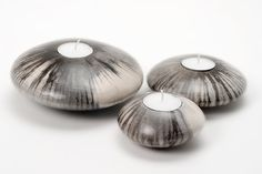 Cerámica de Bridget Arnold en Studiopottery.co.uk - 2010. Stripey Vela vainas (pequeña, de 9 cm de diámetro; media, de 11 cm de diámetro; grande, 14 cm de diámetro; extra de gran diámetro de 18 cm.).