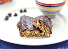 Peanut Butter Coconut Protein Bars - using gluten free oats this look so yummy!