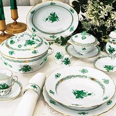 Continetal Tableware Designer Table Settings,all magor brands,Dinnerware, Herend Figurines, Swarovski Elegant Table Settings, Beautiful Table Settings, Herend China, Green Table, Dinner Sets, Chinese Antiques, China Patterns, Dinnerware Sets, Fine Dining