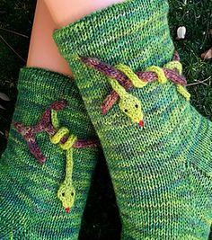 in the jungle pattern by Sonja Köhler - socken - Knitting Ideas Knitting Socks, Free Knitting, Jungle Pattern, Sport Weight Yarn, Designer Socks, Baby Knitting Patterns, Arm Warmers, Knitwear, Knit Crochet