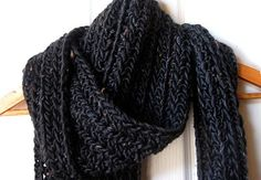 Chunky ribbed scarf Mel P Designs: Free Crochet Scarf Pattern Crochet Mens Scarf, Chunky Crochet Scarf, Chunky Yarn, Knit Or Crochet, Crochet Shawl, Double Crochet, Crocheted Scarf, Men Crochet Scarf Pattern Free, Crochet Scarves For Men