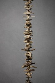 Driftwood garland... I'm so going to try to make this next time I get up to the North Shore!
