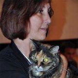 Interview - Meet Yvonne DiVita from scratchingsandsniffings.com