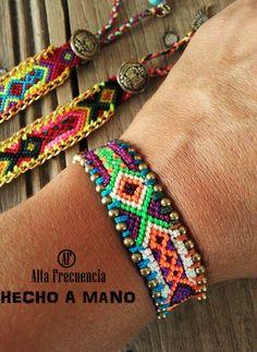 Pulsera de la amistad, bordada a mano , con detalles unicos , Diseños de AUTOR de la marca Alta Frecuencia Mexico.