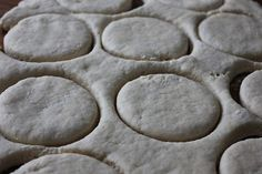 Homemade freezer biscuits (like canned biscuits) Freezer Biscuit Recipe, Hardees Biscuit Recipe, Homemade Freezer Biscuits, Quick Biscuits, Canned Biscuits, Bread Recipes, Real Food Recipes, Cooking Recipes, Skillet Recipes
