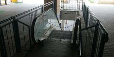 Kota | Musibah mengerikan menimpa Yayat, petugas cleaning service (CS) di Mayasari Plaza, Sabtu (3/5) pagi. Paha kirinya nyaris putus...