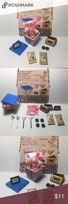 🍭 Nostalgia Chocolate Candy Lollipop Mini Set 🍭 Japanese Miniature Collectibles.   The set is complete/not missing any pieces. In excellent condition. These were never played with, only displayed in a glass case.   Great for display, putting in your planters, accessories for dolls, etc.  Tags: kawaii, japanese, rement, re-ment, miniatures, fairy garden, planter, anime, food, cute, blind box Accessories