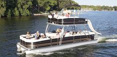 pontoon boats with upper deck -