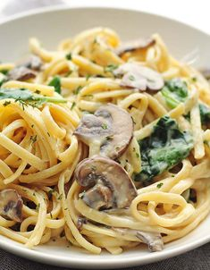 This Creamy Mushroom Florentine Pasta Recipe May Seem Like A Fancy Dish, But Its Oh So Quick And Easy To Make. Its Easy Enough For A Weeknight Meal, But Elegant For Entertaining Or Enjoying As A Celebration Dinner, And Its A Terrific Meatless Option. Creamy Pasta Dishes, Creamy Pasta Recipes, Recipe Pasta, Cookbook Recipes, Cooking Recipes, Healthy Recipes, Tofu Recipes, Sausage Recipes, Casserole Recipes