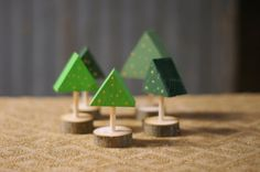 Mini Christmas Tree Set Rustic Christmas Tree by GFTWoodcraft. Very quaint looking Christmas trees, very simple but effective. ;)