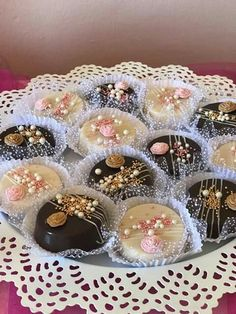 Gâteau I Love Chocolate, Chocolate Donuts, Chocolate Covered Oreos, Fancy Cookies, Cake Cookies, Amazing Food Decoration, Biscuit Decoration, Morrocan Food, Resep Cake