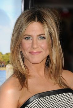 Jennifer Aniston Medium Straight Hairstyle: Sexy Ombre Hair!   Hairstyles Weekly