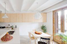 estilo nórdico escandinavo estilo nórdico barcelona estilo decoración mediterraneo distribución diáfana diseño interiores decoración interiores decoración ático dúplex cocina moderna nórdica baldosa hidraulica