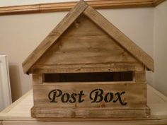 WOODEN LETTER/POST BOX STAINED AND FELT ROOF-LOCKABLE-SECURE-NO RESERVE