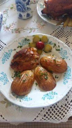 Pácolt csülök sütve ! Vajas Svèd burgonyával ! Baked Potato, Potatoes, Baking, Ethnic Recipes, Food, Potato, Bakken, Essen, Meals