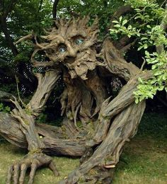 How to keep little children out of the garden! ;-) Seattle-based artist Kim Beaton enlisted the help of 25 volunteers to build an awe-inspiring 12-foot-tall tree troll exclusively out of non-...