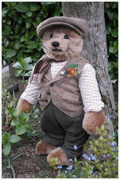 Glennifer by By Sue Quinn | Bear Pile - He is such a huge hunk of a bear and so beautiful.  I am delighted to have him in my hug.