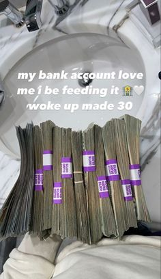 Make Easy Money Online, How To Make Money, Iphone 11 Colors, Money On My Mind, Young And Rich, Money Stacks, Money Sign, Billionaire Lifestyle, Accesorios Casual