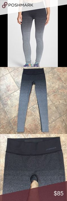Brooks Ombré running leggings for women size S In like new condition it was used ones only for a little while. They are perfect for running, yoga, for the Gim or just for your every day day. They are super comfortable with dry layer technology. No trades, no lowball offers. Not eligible for bundles. Reasonable offers are welcome. Brooks Pants Leggings