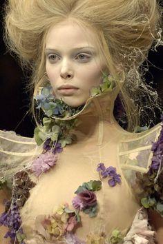 Alexander McQueen ready-to-wear, Париж, коллекция весна-лето 2007 details