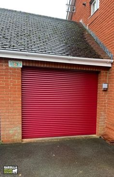 Roller Doors from Garolla vary in size, colour and height. Our Roller Shutter Doors range from red and blue to white and black. Click the link to find out more. Red Garage Door, Single Garage Door, Garage Door Sizes, Modern Garage Doors, Garage Door Decor, Garage Door Design, Roller Doors, Roller Shutters, Shutter Doors