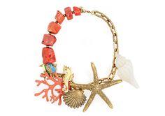 Secretos de mar Collar marino con corales y conchas naturales 115€ de Bimba Lola.