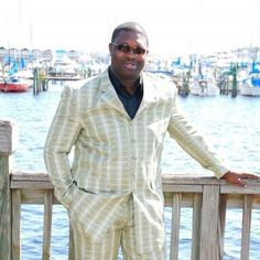 I am a professional artist performing in live events and engagements. I am specializing in weddings, spiritual gatherings, and corporate functions.