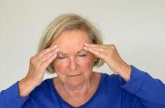 Definición de Neuralgia » Una neuralgia es un dolor debido a la lesión de un nervio, es un dolor muy intenso con una distribución que corresponde al trayecto de un tronco nervioso.  Este tipo de dolor por lo general persiste en el tiempo volviéndose crónico, si no es tratado de forma adecuada puede afectar la calidad de vida de quien lo padece llevándole a tener un estado de discapacidad.  ... via Definicion ABC http://www.definicionabc.com/salud/neuralgia.php