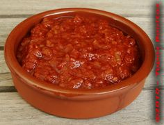 Salsa Brava (Spicy Spanish tomato sauce) used on patatas bravas :) - Food Veggie Recipes, Mexican Food Recipes, Vegetarian Recipes, Cooking Recipes, Catering Recipes, Shrimp Recipes, Cheese Recipes, Spanish Dishes, Spanish Cuisine