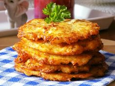 Zelníky s kuřecím masem Onion Rings, A Table, Chicken Recipes, French Toast, Cabbage, Food And Drink, Cooking, Breakfast, Ethnic Recipes